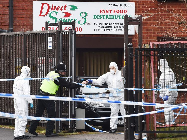 Man shot dead in warehouse robbery bid