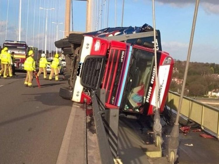 Storm winds overturned lorry on The Humber Bridge