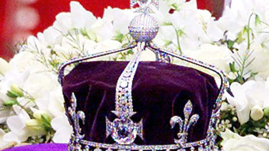 The Crown of Queen Elizabeth the Queen Mother featuring the Koh-i-Noor diamond
