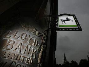Government Announce Lloyds Bank Share Sale Raising £3.2 Billion