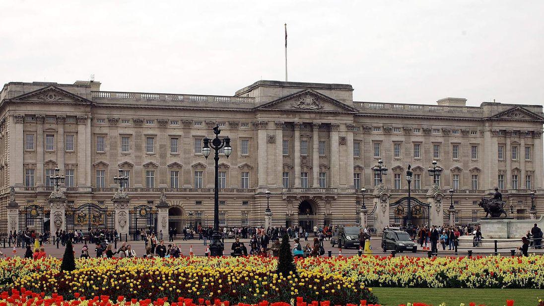 Chinese Tourism - Buckingham Palace