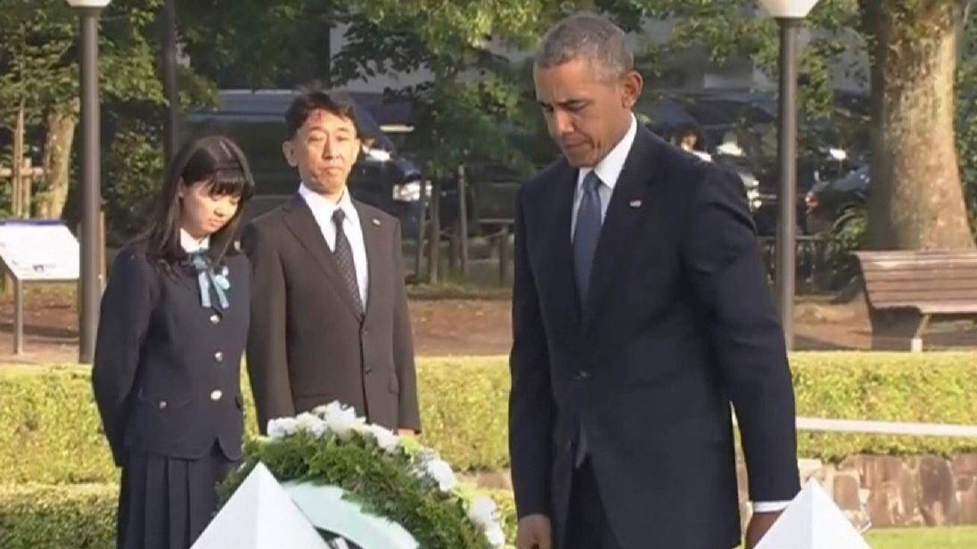 Obama Lays Hiroshima Wreath