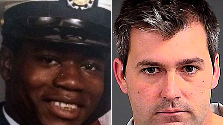 Walter Scott (L) was shot dead in April 2015 by then-North Charleston police officer Michael Slager