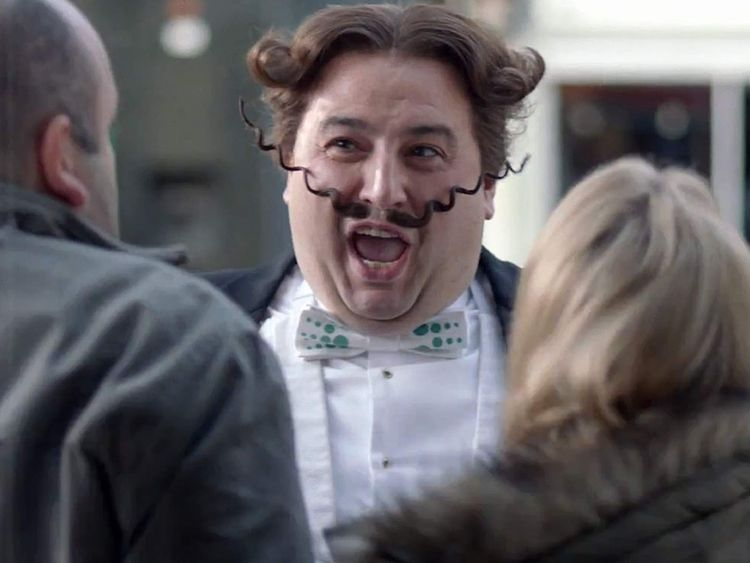 Singer Wynne Evans in a Go Compare advert