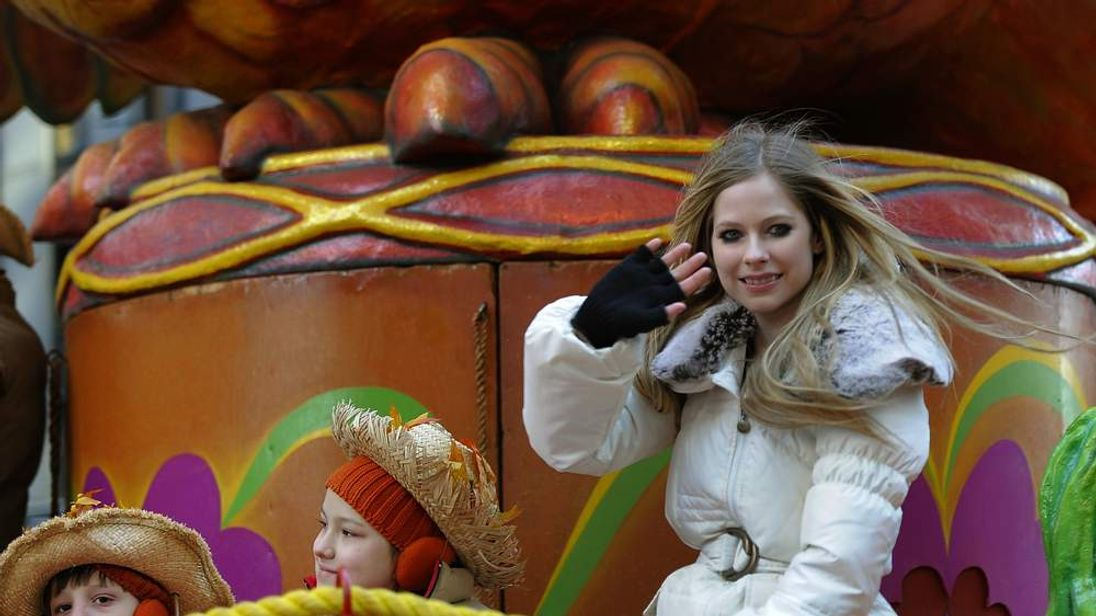 Avril Lavigne in New York for Thanksgiving in 2011