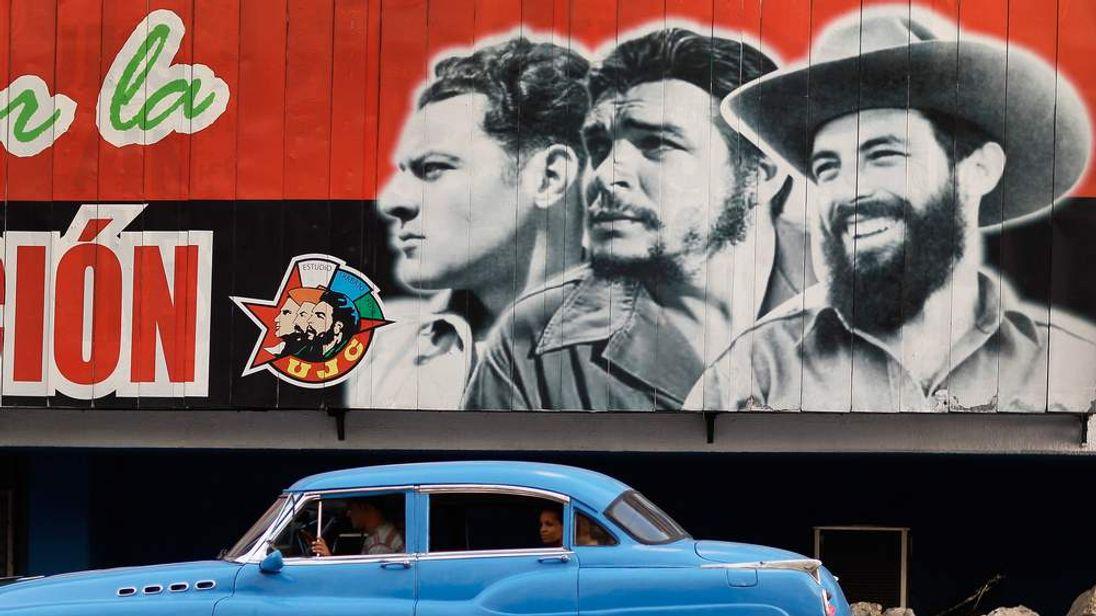 Billboard of Che Guevara in Cuba