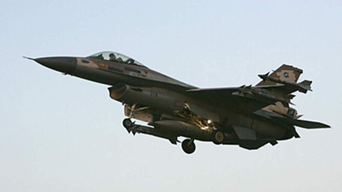 Israeli F-16 fighter jet