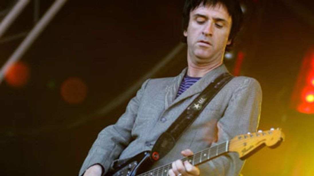 Guitarist Johnny Marr performs with former band Modest Mouse