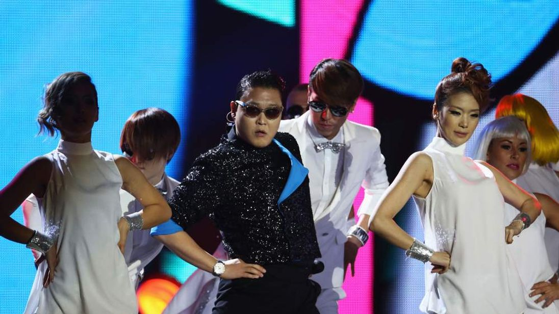 Psy performs for his fans in Germany