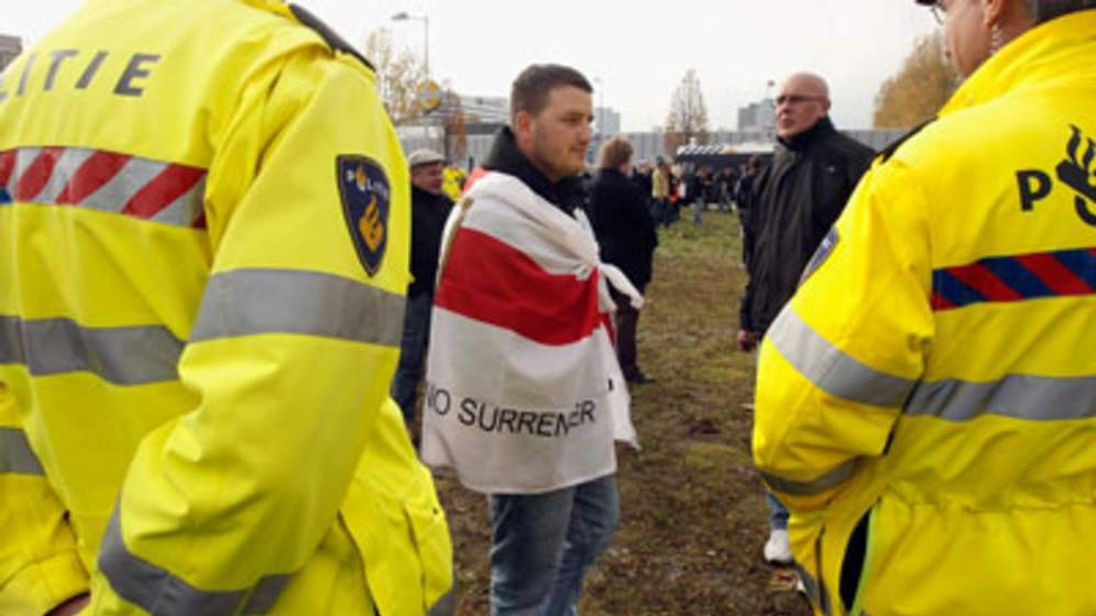 English Defence League joins protest in Amsterdam