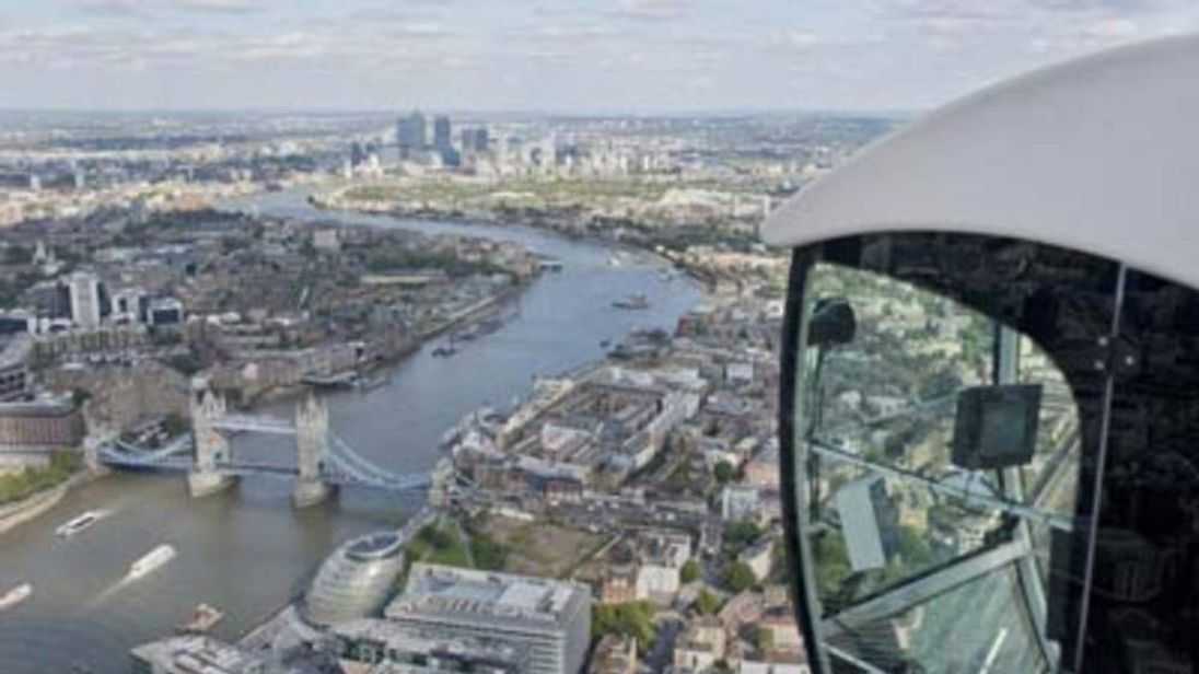 Britain's highest ever crane working on the Shard in central London