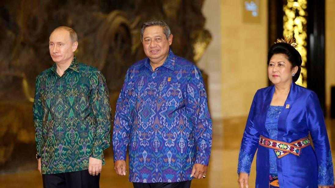 Vladimir Putin and Indonesian President Susilo Bambang Yudhoyono
