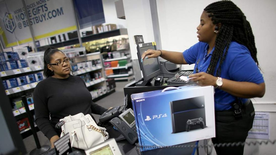 Playstation 4 Goes On Sale
