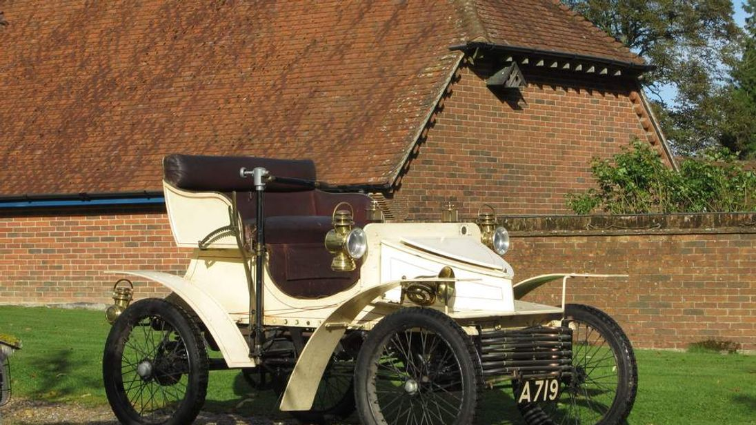 World\'s Oldest Vauxhall Car Up For Sale