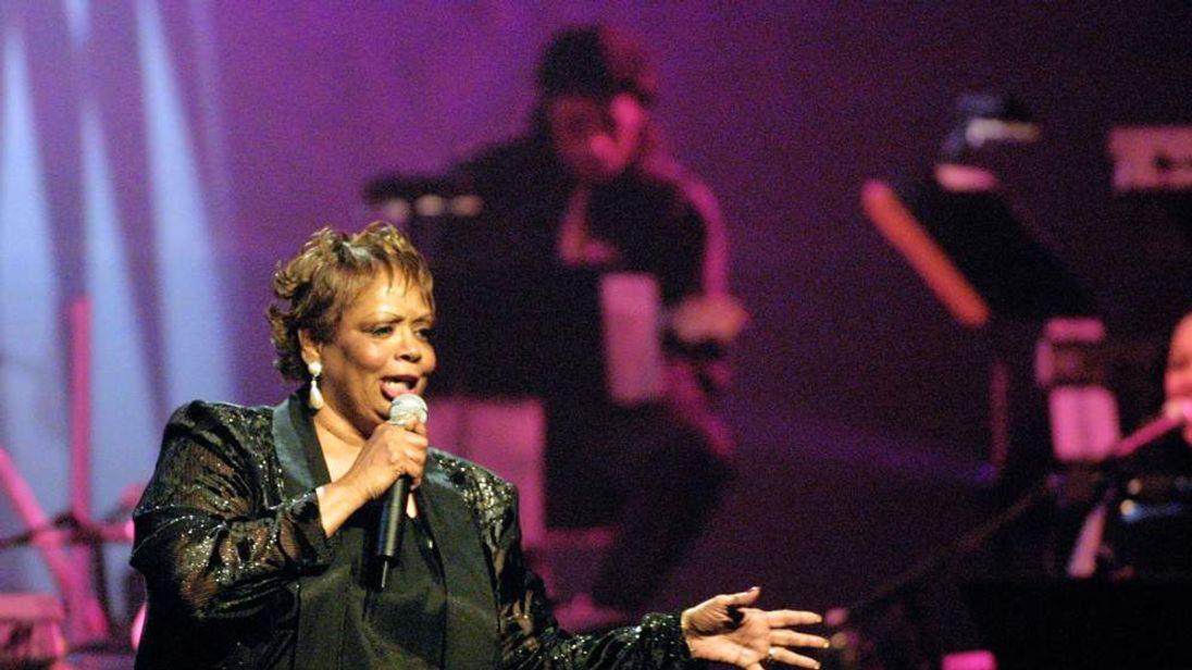 R&B Foundation Pioneer Awards 2001