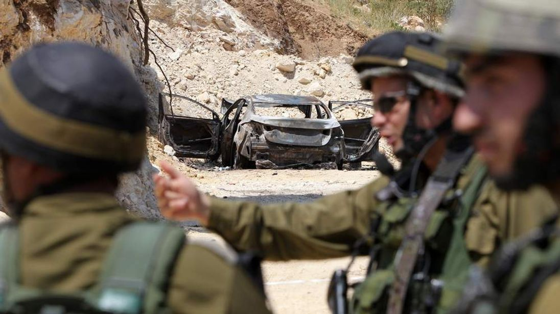 Israelis search for three teen settlers