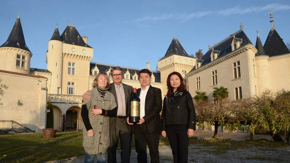 FRANCE-CHINA-ACCIDENT-TRANSPORT-WINE-CUISINE