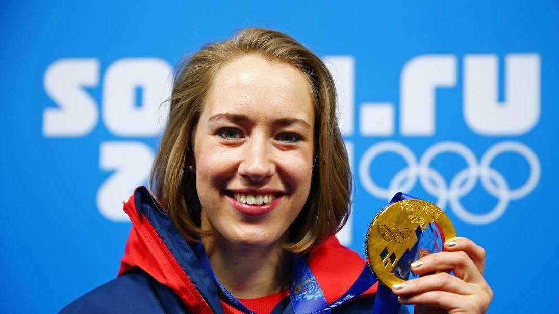 Lizzy Yarnold won skeleton event at Sochi Winter Olympics