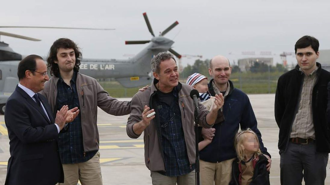 Journalists return to France after 10 months in captivity in Syria