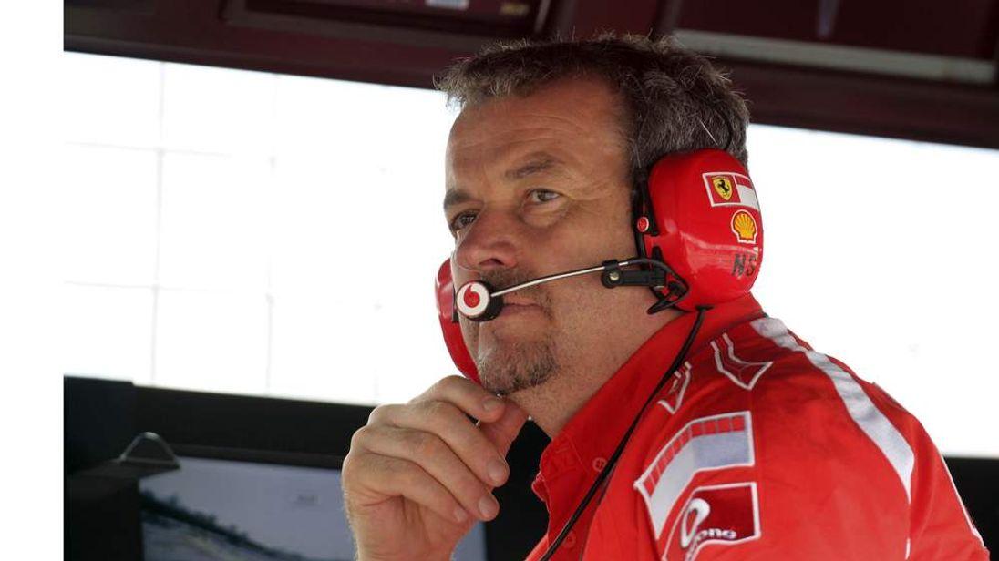 Nigel Stepney working for Ferrari in 2006.