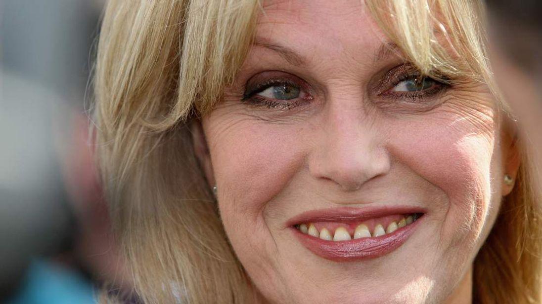 Joanna Lumley Wants To Be A Bond Girl Again