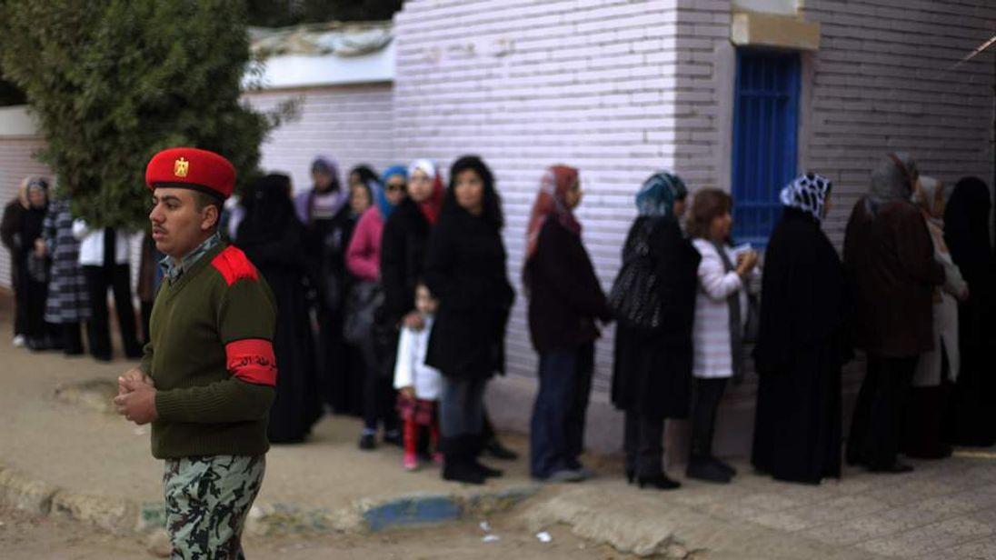 Egyptians queue to vote in Cairo