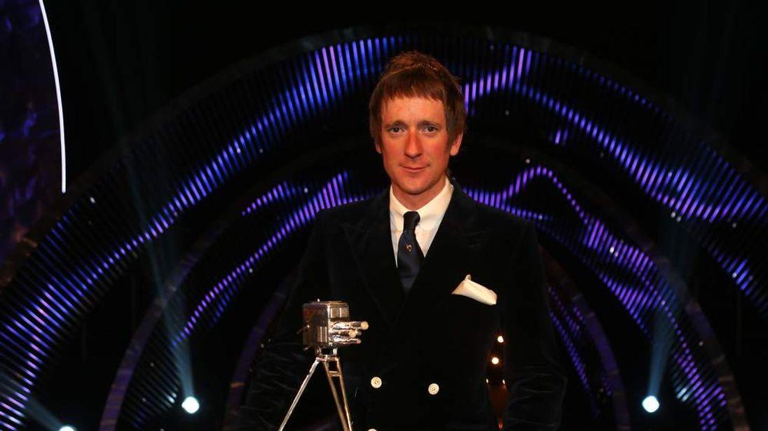 Bradley Wiggins wins BBC Sports Personality of the Year