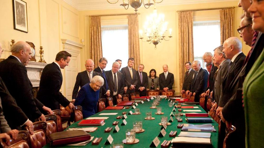 Queen attends Cabinet meeting