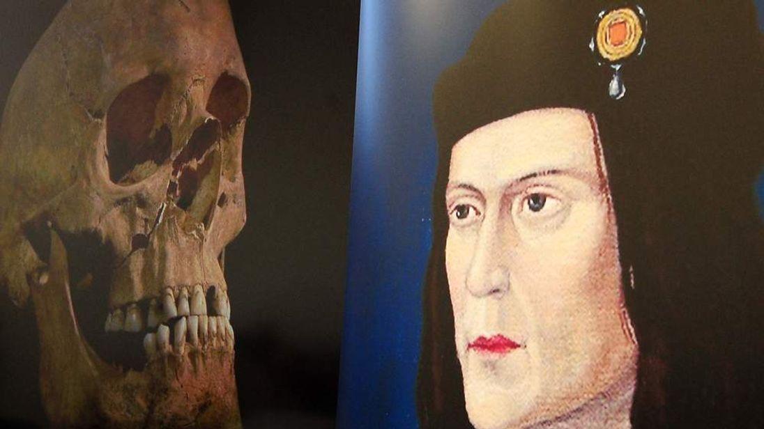 Archaeologists in Richard III dig