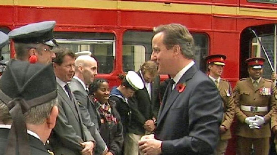 David Cameron speaks to servicemen