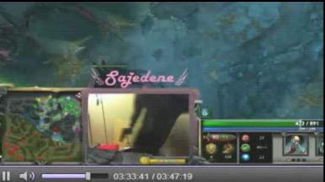 Online Gamers Help Foil Home Invasion