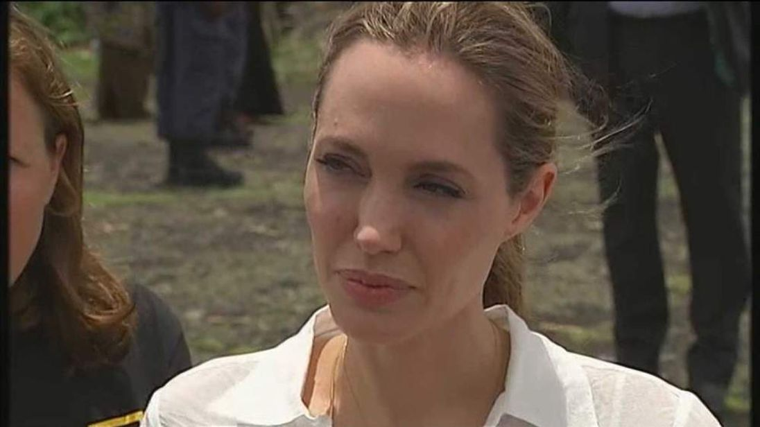 Angelina Jolie and William Hague travel to the Democratic Republic of Congo to raise awareness about rape in areas of conflict.