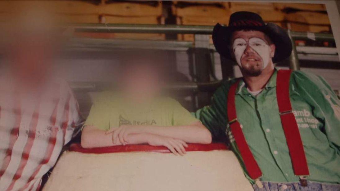 Rodeo Clown struck by lightning twice in Texas