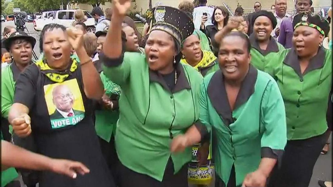 South Africans celebrate Mandela's life