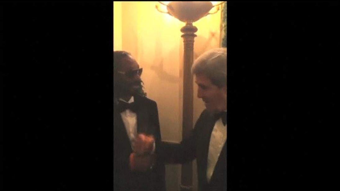 Snoop Dogg fist bumps US Secretary of State John Kerry