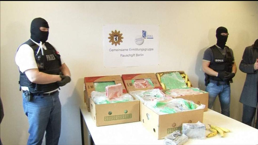 Police Guard 140kg Cocaine Haul