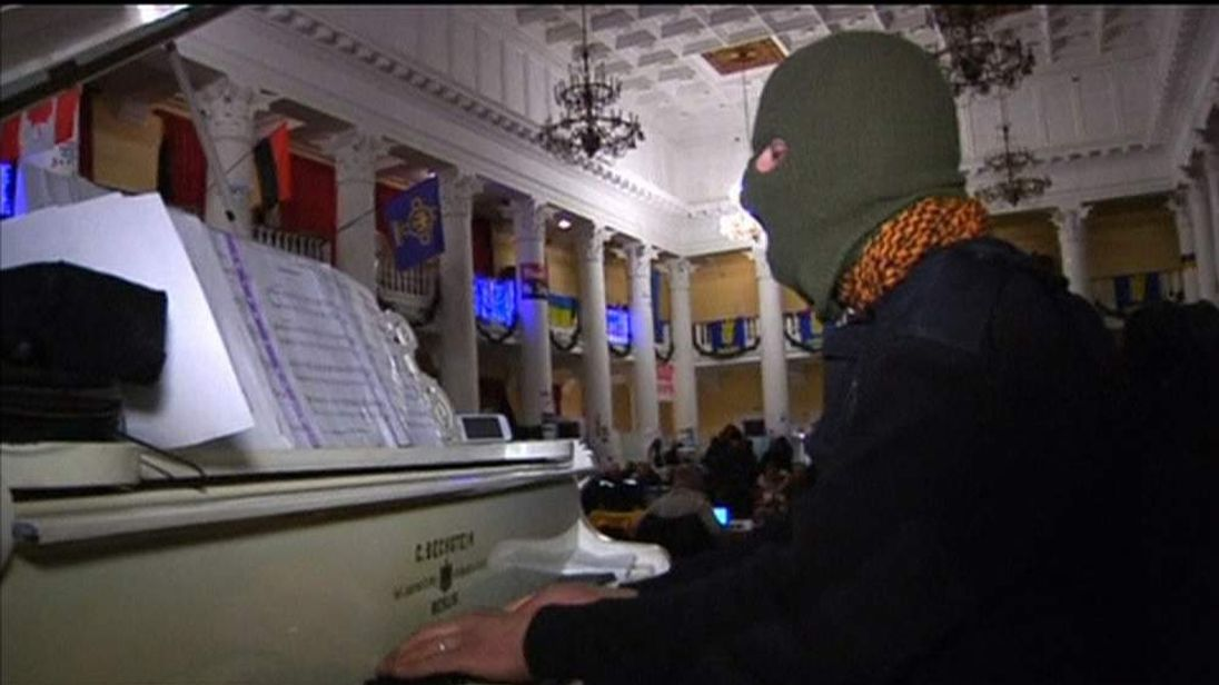 A Piano-Playing Protester In Kiev