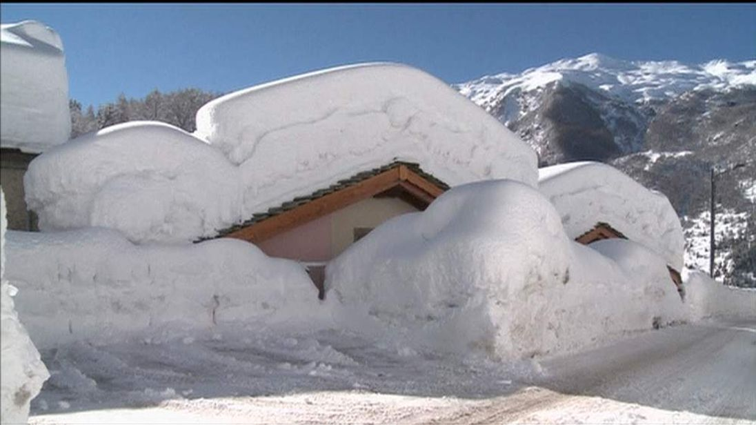 Italian village buried under several metres of snow