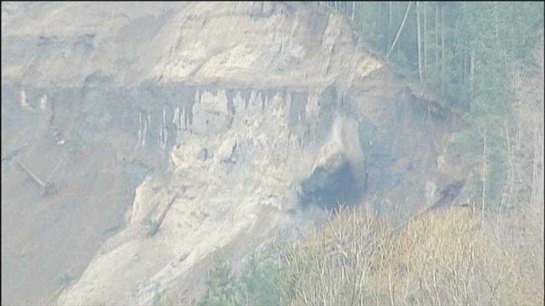 Washington State mudslide rock face still crumbling