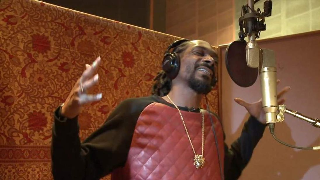 Snoop Dogg has turned his unique talents to online gaming.