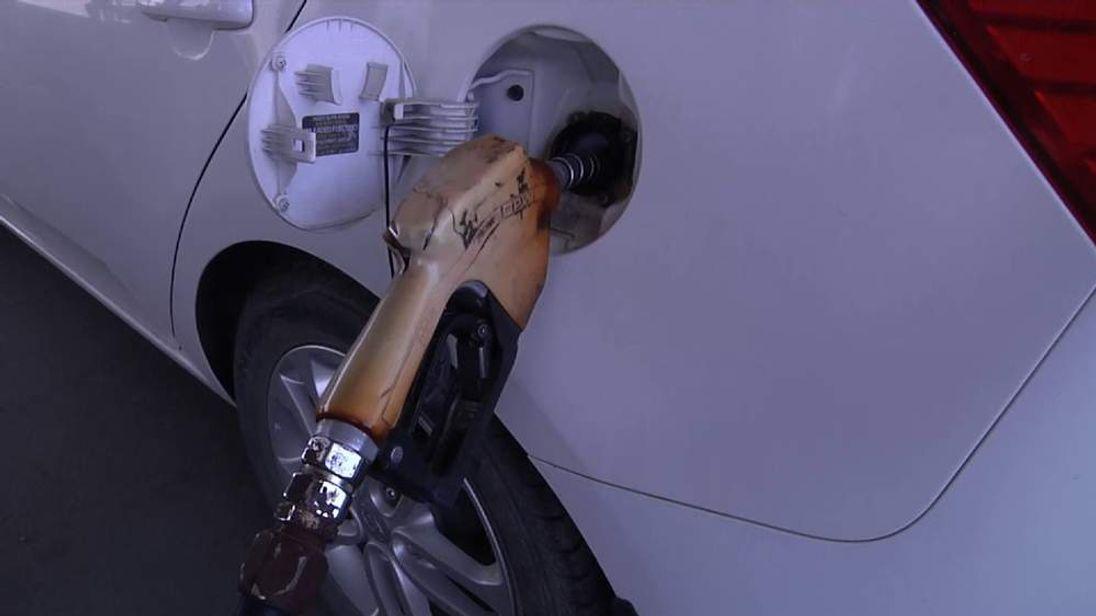Apple Iraq Fuel Shortage Petrol Pump Iraq