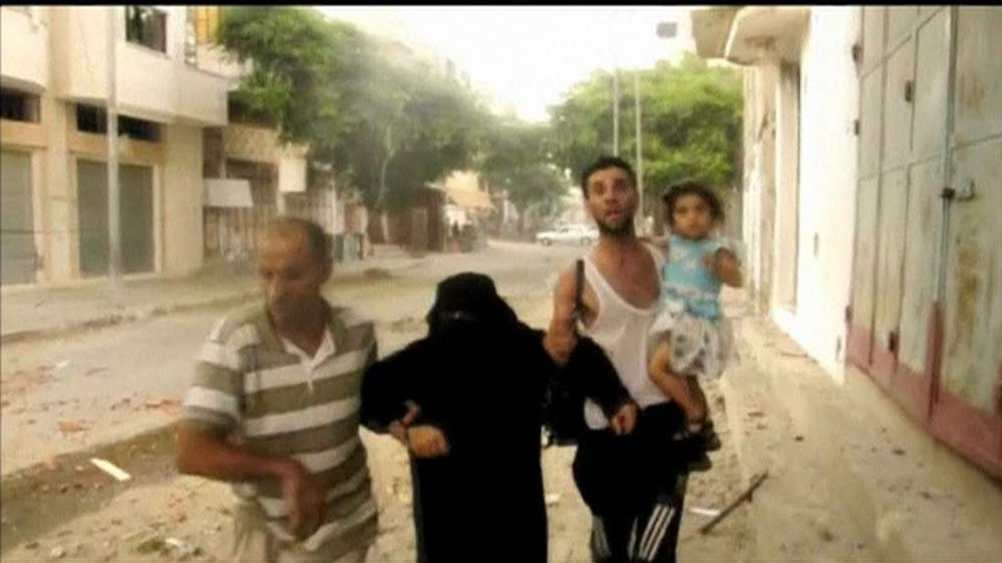 Palestinians flee Gaza city