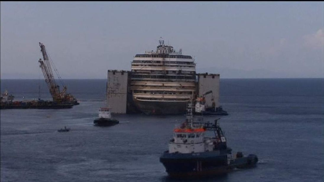 Costa Concordia under tow