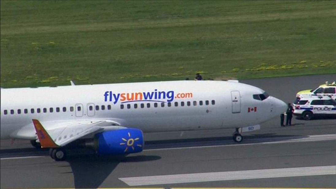 Sunwing plane