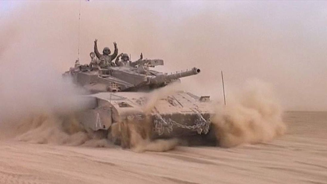 Israeli tanks pull back from Gaza