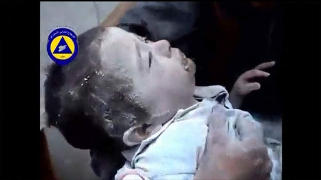 Toddler rescued from rubble after bombing in Aleppo