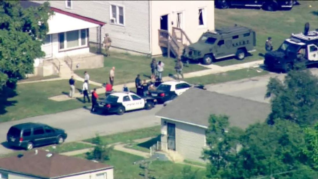 Police Storm House To Free Standoff Hostages