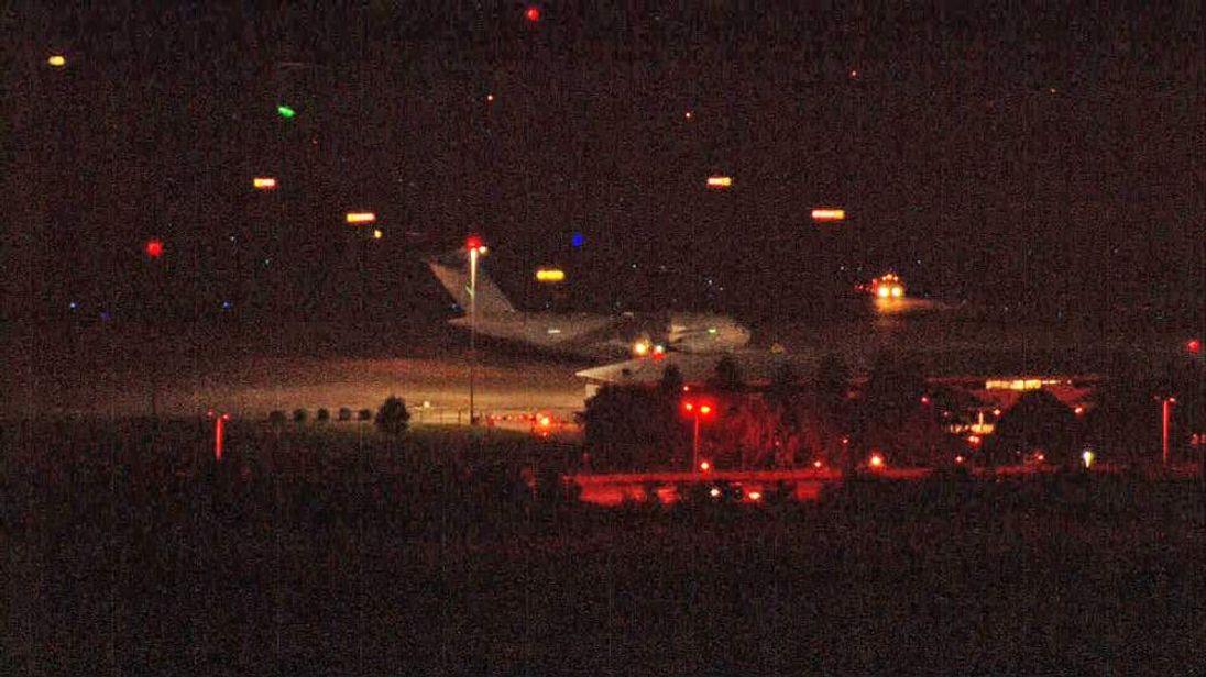 Ebola victim arrives in UK.