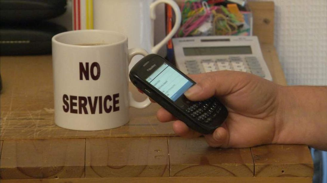 Mobile phone operators could be forced to allow users to change between networks