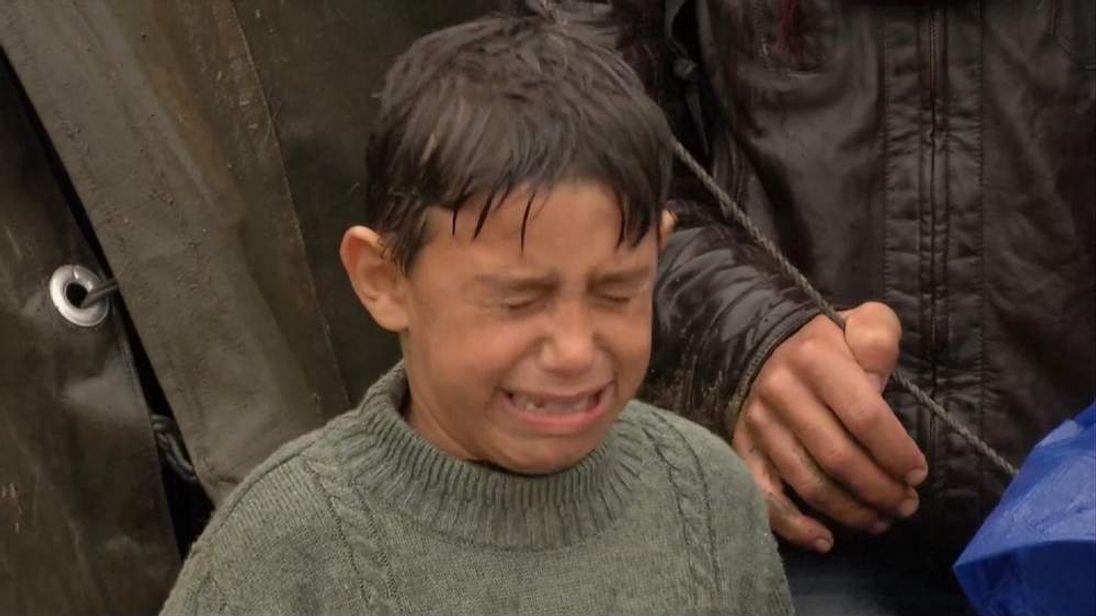 Migrant child stranded in Serbia